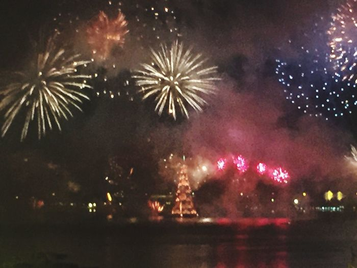 Cities At Night Eyeem Awards 2016 New Year's Eve Fireworks Copacabana - Rio De Janeiro The Photojournalist - 2016 EyeEm Awards