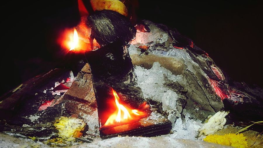 fading Fire... Temperature hidden inside... Fire Night Burning Ash Colourful Fire Colours Warmth Peace