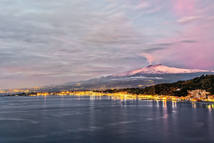 Scenic view of gulf of taormina whith sky during dawn