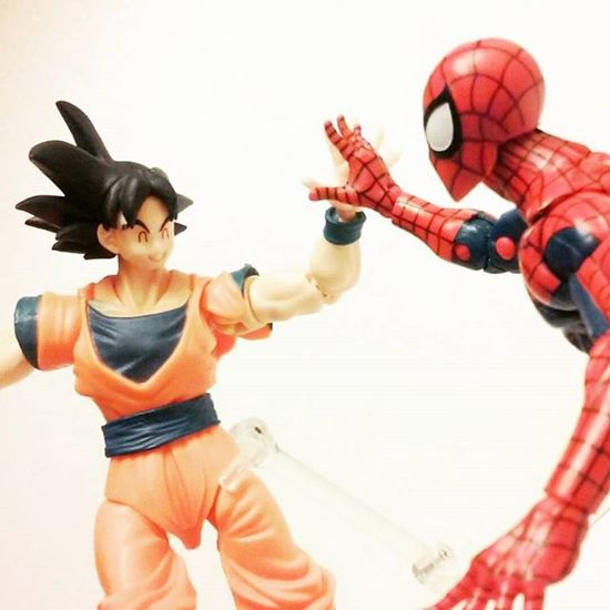 """Dude your like freaking awesome,i love you!! Highfive?!"" ""Thanks bugman! and as long as you don't love me like chichi does,we can be great friends!"" Marvellegends Anime Spiderman Toysartistry Goku Amazingspiderman Dragonballz Songoku SHfiguarts Hasbro Toyphotography Toycrewbuddies Toycommunity Toysartistry Toystagram Toyslagram Toyplanet Toyphotogallery Toygroup_alliance Articulatedcomicbookart Actionfigurephotography ACBA Actiontoyart Toyelite Toyrevolution actionfigureoutcast anarchyalliance grownmenplayingwithtoys toycollection toycollector figureslife"