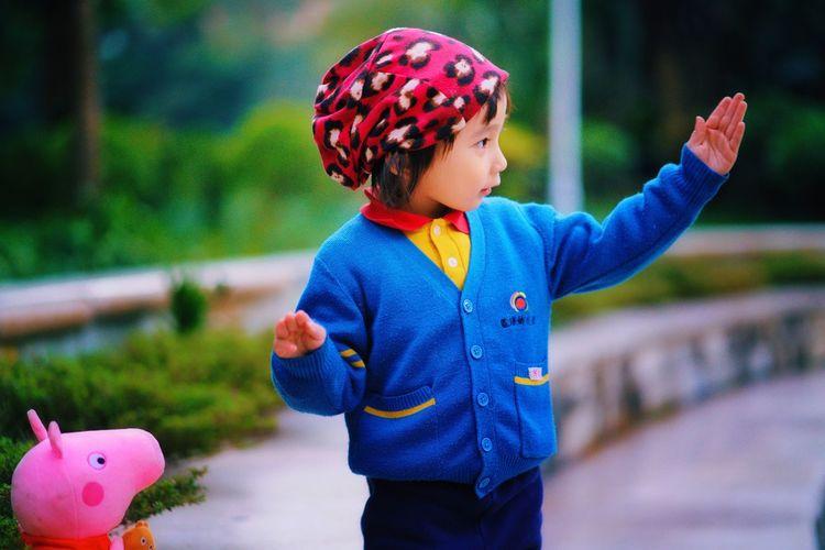 舞蹈 Childhood One Person Playing Cute Outdoors Real People Fun Lifestyles