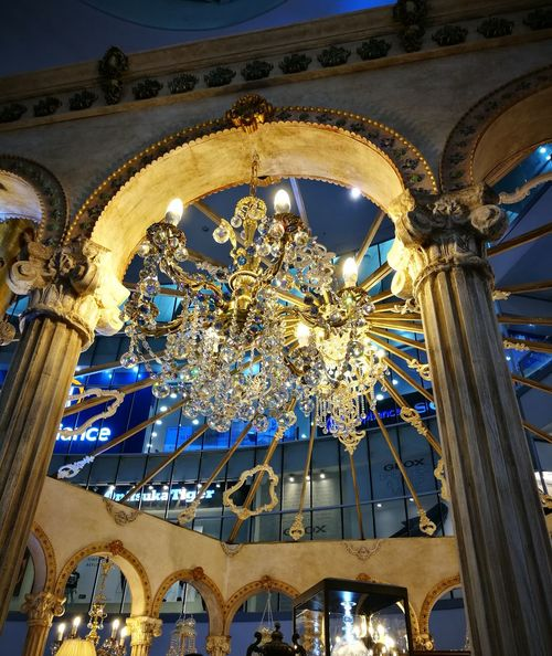 Beauty and the Beast La Belle Et La Bete Beauty And The Beast Philippines Photos Philippines Chandeliers Castle Wall
