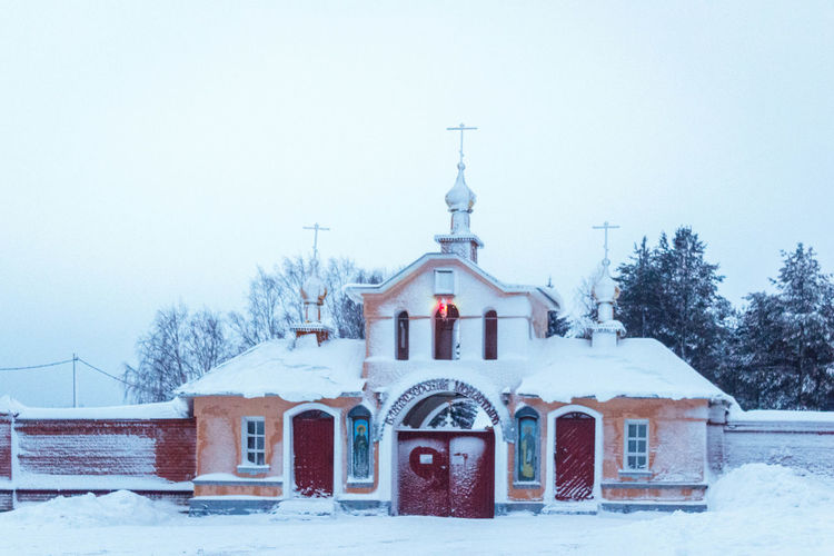 Vazheozersky Spaso-Preobrazhensky men's monastery Amazing Architecture Beautiful Building Exterior Built Structure Church Cold Temperature Day Karelia Monastery No People Outdoors Religion Russia Snow Snowing Weather Winter зима карелия красота монастырь Россия Церковь