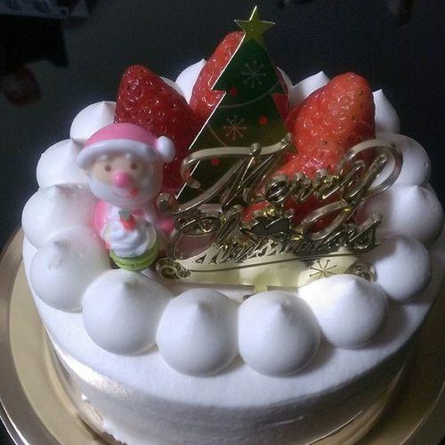クリスマスケーキ。 今年はMorozoff。 Morozoff