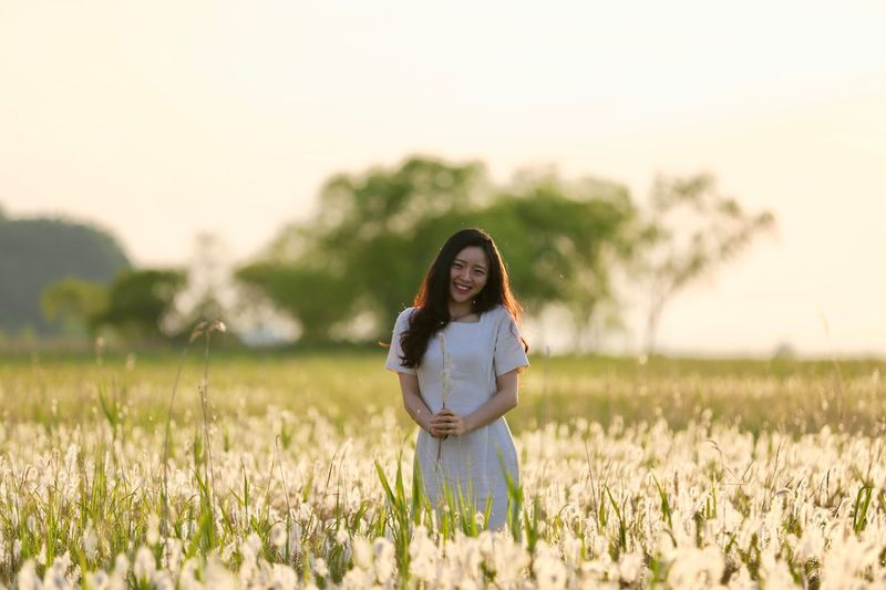 Sunset Smile Beutiful  EyeEm Selects Plant Field Land Young Women Standing One Person Young Adult Women Beauty In Nature Sky Nature Beauty Long Hair