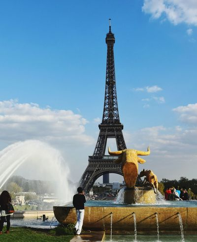 France Tower Travel Destinations Water Motion Fountain Built Structure Cloud - Sky Outdoors Day Architecture City People Parigi Lovefortravel Eyeemphotography Low Angle View EyeEm Gallery EyeEmNewHere 3XSPUnity EyeEm Best Shots Architecture Tour Eiffel Paris French Neighborhood Map The Street Photographer - 2017 EyeEm Awards The Architect - 2017 EyeEm Awards Neon Life EyeEm Selects Your Ticket To Europe The Week On EyeEm