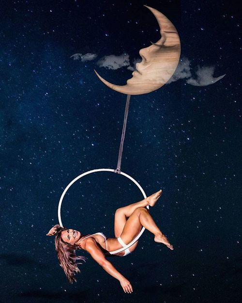 Lunar goddess Beautiful Maui Vixen Hawaii Nature Aerialist Aerial Aerials Lyra Lyrahoop Hoop Hoops Hooping  Hooper Hooplove Flowarts Youonlyliveonce Mauiphotography Breathtaking Tropical Beauty Mauinokaoi Gravity Circus Circusfreak aerialistoutdoors moon lunar moonlight