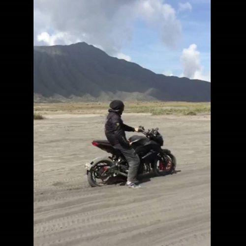 Mountain Bromo Sandsea Motorcycle Kawi Kawination Kawasakiz250 Kawasaki Z250 Nakedbikenation NakedBike Ixs Eatsleepshift🔃 Komine Val  2016 😚 RideOrDie