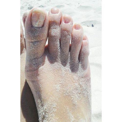 Dedinhos Pezinhos Beach Feet Lovefeet Lovephotography  Pesnaareia Pesfemininos Pes Amorporpes Detalhes Delicate Unhasnaturais SemEsmalte Unhas