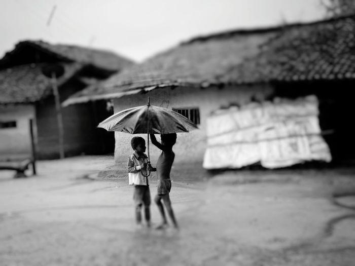 Young Women Women Full Length Under City Protection Walking Rain Rainfall Rainy Season RainDrop Wet