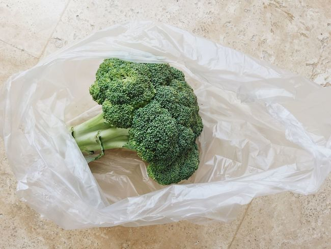 Broccoli in a plastic bag Fruits And Vegetables Market Plastic Bag Plastic Environment - LIMEX IMAGINE Shopping Banned Broccoli Buying Close-up Enviornmental Environment Environmental Issues Green Healthy Eating High Angle View No Plastic Organic Organic Food Plastic Plastic Bag Raw Food Still Life Textile Vegetable Wellbeing