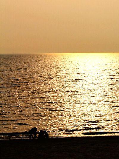 Jebudo sunset , family