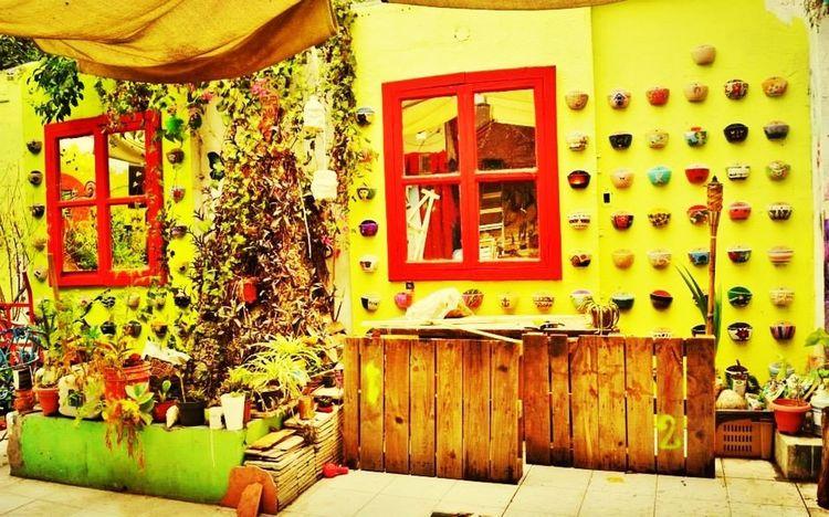 Pantone Colors By GIZMON Barrio Antiguo Monterrey Chilenos Por El Mundo paseito por el barrio antiguo de Monterrey...
