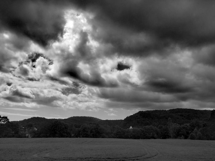 B&W Landscape Drama In The Sky Huawei P9 Plus