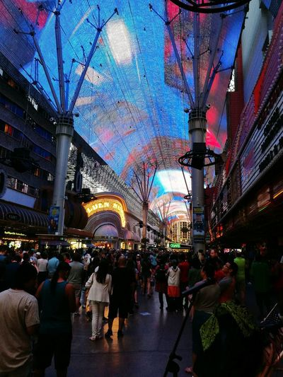 Las Vegas Illuminated Crowd Tourism Travel Destinations Lifestyles Night Lasvegasbaby Freemont Street Experience