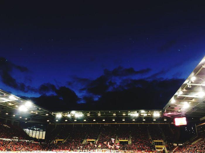 Sky Illuminated Night Cloud - Sky Sport Stadium Outdoors Crowd Star - Space People