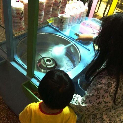 Gulali menarik perhatian anak-anak Televisinet INDONESIA Kuliner Kulinerbandung Bandung Bandungjuara