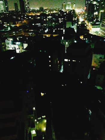 Cityscapes Enjoying Life Telavivcity Telaviv Holidays GreatNight  vue de la ville via ma chambre d'hôtel 😎