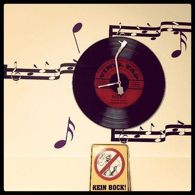 Kein bock auf alles, aber musik geht immer.... ;-) Music Musik Noten Musicisthekey uhr zeit keinbock clock lovemusic keinezeit gedanken undschonwiedermusik wanddeko keinbockaufallesabermusikgehtimmer