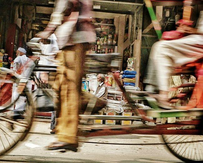 Real People Lifestyles Motion Busy Busy Street Busylife Stillness In Time Strretphotographyindia Streetphotography Streetcolour EyeEm Gallery EyeEm Sonyalpha SonyA7s Olddelhi Streetshot Picoftheday