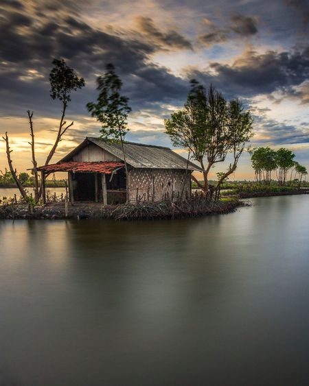 Alone house Built Structure Cloud - Sky Water Architecture No People House Nature Tree Scenics Day Landscape EyeEmNewHere
