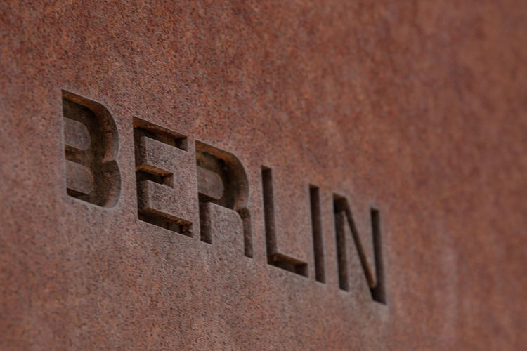 Architecture Berlin Wall Corrosion Letters Word Discover Berlin Monument Rusty Symbols Textured  Wall Memorial