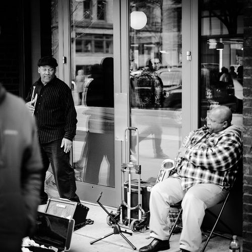Side Eye Street Musicians Street Photography Black And White Buskers Street Performers Knowing Secrets