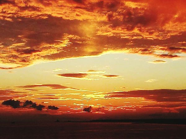 Sunset Scenics Orange Color Idyllic Atmosphere Sunset_collection Sunsetlover Sunset_captures Sky Sky And Clouds Sky_collection Tramonti_italiani Tramonto Colours Of The Sky Colours Of Sunset Colours In The Sky