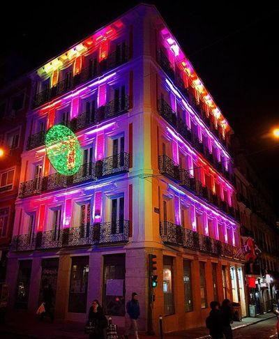 #streetphotography #Callejeando #luces #colores #Detodounpoco Night Illuminated