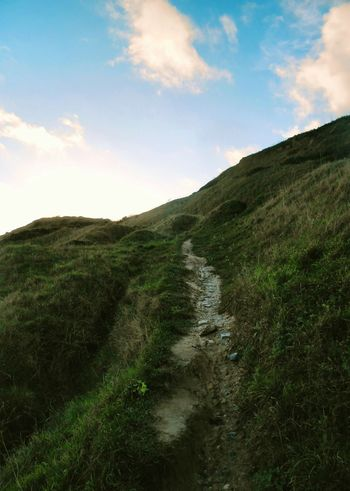 Steep ascent... Path Pathway Clouds Sky берег Norfolk Uk Green Footpath Lookingup Climbing Climb Cliff Shore Тропинка Тропа