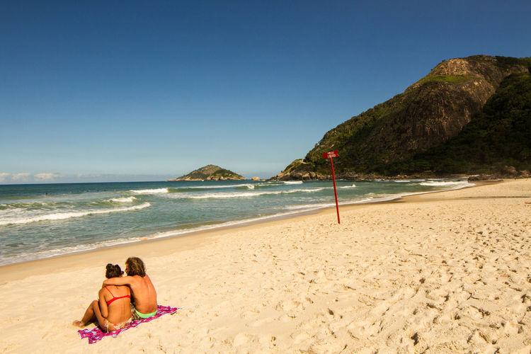 Beach Life Beach Photography Couple Lifestyle Praia Rio De Janeiro Rio De Janeiro Eyeem Fotos Collection⛵ Beach Beachphotography Couple - Relationship Couples Shoot Lifestyles