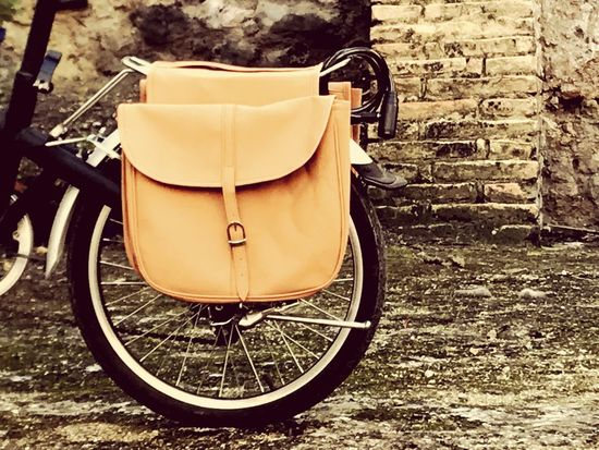 Bicicleta en casco antiguo Maletas Maletin Bolsos Mobility Vintage Bike Bicycle