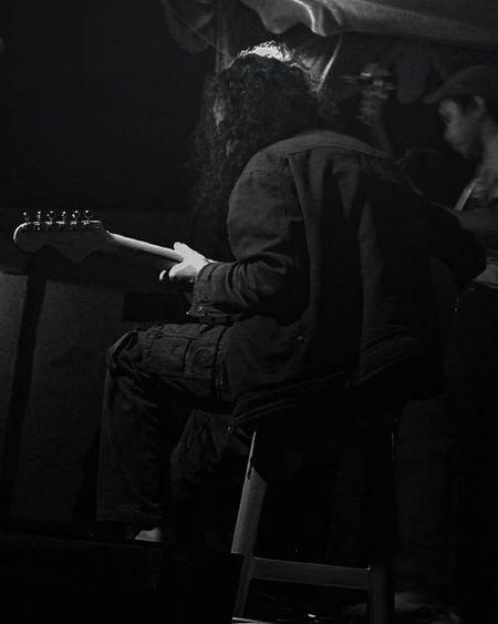-Penjinak gitar yang mengerang, mendayu biru (Mr. KY) . . . . People Peopleinframe Humaninterest Hi_photography Blackandwhite Bwgram Bwphotography Bwstyles Hitamputih Kilasbalik Throwback Tgaf2014 Poembluesukan Artfest Photographcatcher Ksagamaksara