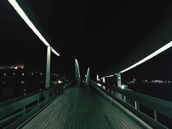 Fresh Air Barcelona Photography Fashion&love&beauty Relaxing Port De Barcelona  Beautiful Night Shot Light And Shadow Light
