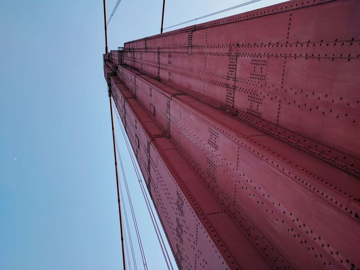 Golden gate bridge の柱 橋 アメリカ 柱 空 建築物 人工物 Bridge Man Made Object Architecture Day Outdoors Clear Sky Sky No People Low Angle View Blue Architecture EyeEmNewHere Colour Your Horizn