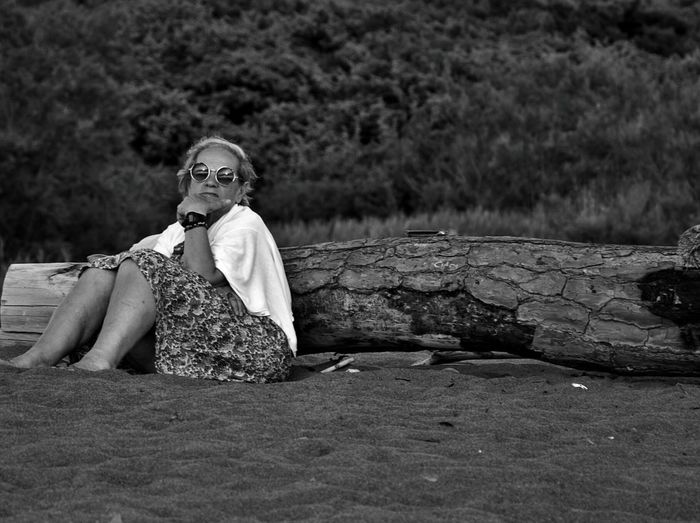 Strange People at the Seaside Crazy Glasses Grandmother Black & White Summertime Waiting For The Sunset Enjoying Life Thinking Funny Pics