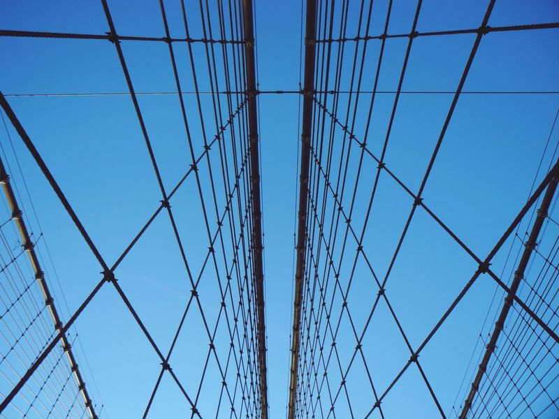 Learn & Shoot: Leading Lines Vanishing Point Geometric Shapes From My Point Of View Perspective Architecture Urban Geometry Deceptively Simple Geometry Rows Of Things Shades Of Blue