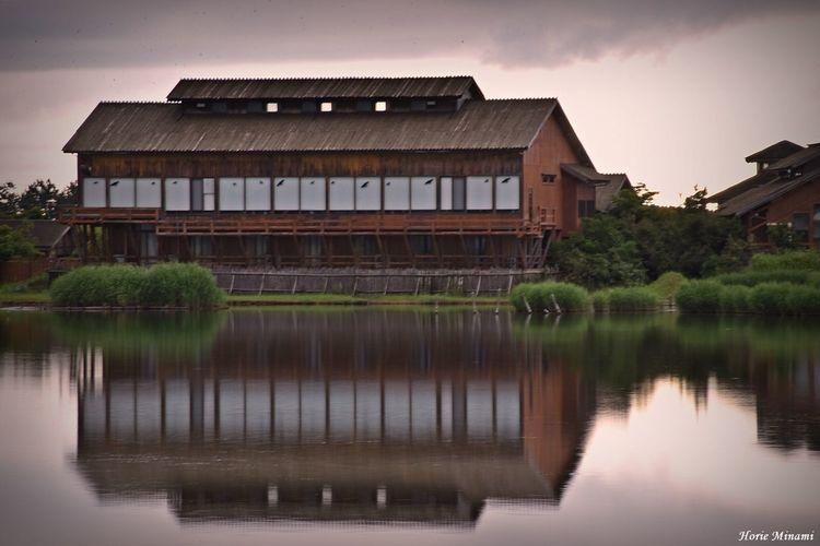 米子水鳥公園 Long Exposure EyeEmNewHere EyeEm Gallery EyeEm Selects EyeEm Best Shots Architecture Water Built Structure Building Exterior Reflection Lake Sky