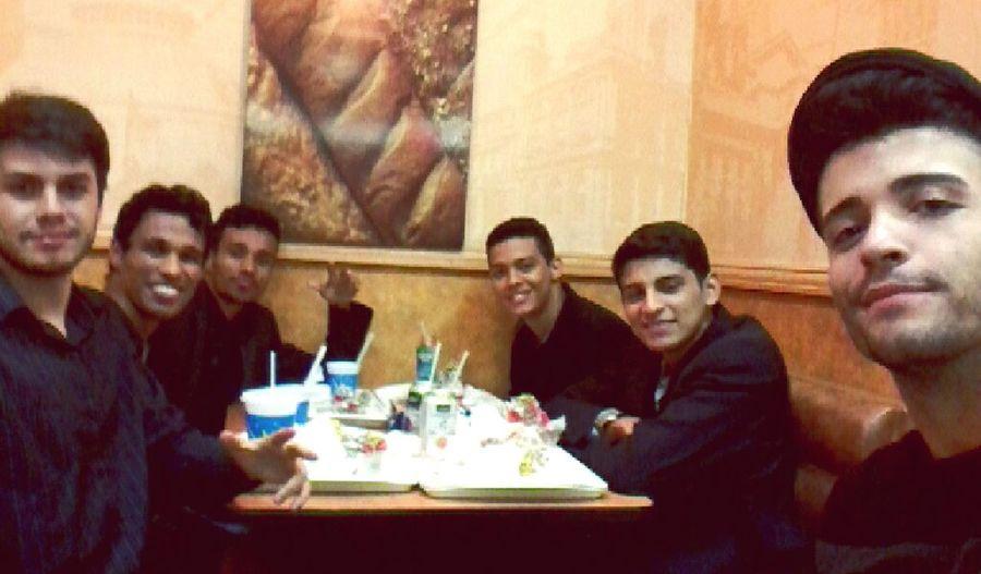 Friends Homens De Preto