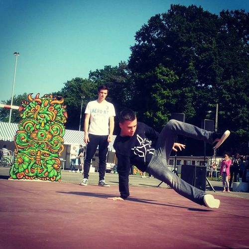 Shiny Day Breakdance Blockparty