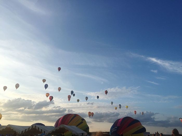 44ieme Championnat de France de Montgolfières 🤩🇫🇷 Real People Landscape_Collection Landscape Taking Photos Blue Sky Sky Balloon Hot Air Balloon Mid-air Cloud - Sky Nature Flying Day Group Of People Transportation Travel Blue Outdoors Travel Destinations Ballooning Festival
