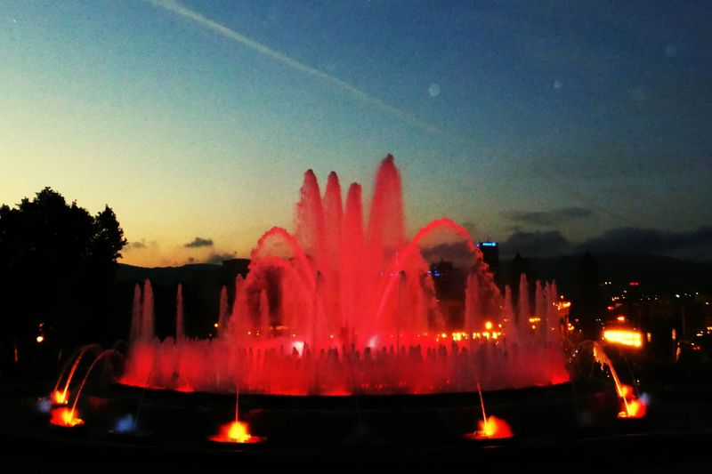 Barcelona, Font Magica.. amazing! Barcelona Barcelona, Spain SPAIN España FontMagica Fontmagicademontjuic Fountains Fountain Pink Color Red Amazing Amazing View Architecture Citytrip Lovetheimage