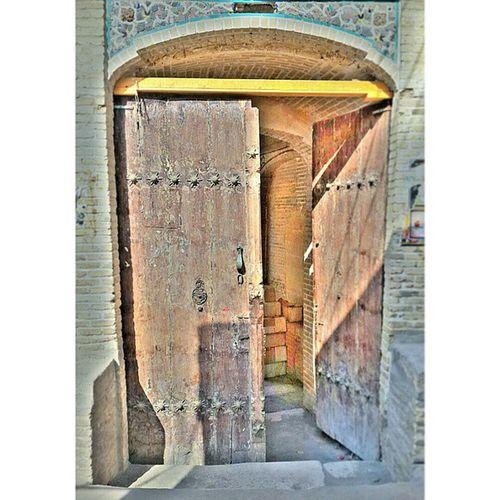 درب قبرستان HDR Photography Iran Qom تاریخی قبرستان شاه_حمزه قم خواهرم_گفت_اینو_بگم Rcnocrop