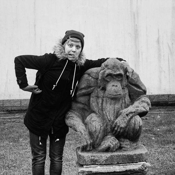 Встретила родственника зоопарк калининград обезьяна друг Чб статуя