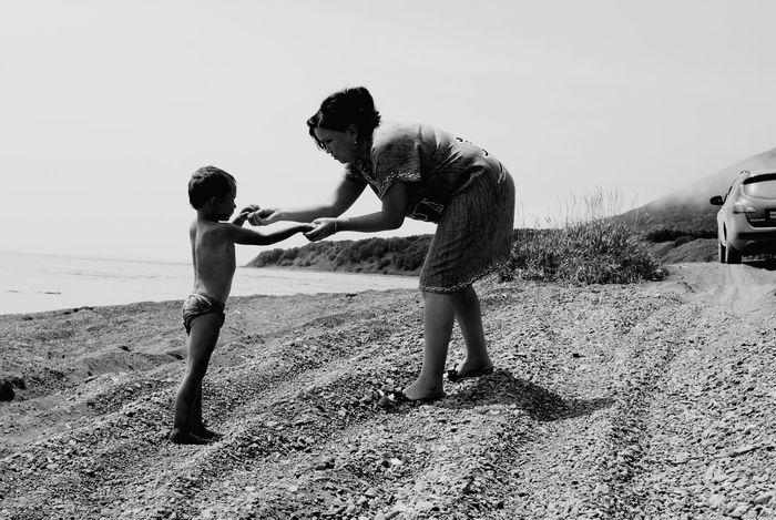 Taking Photos Beautiful Day Naturephotography Goodness Children Relax Enjoying Life Sea People Peoplephotography