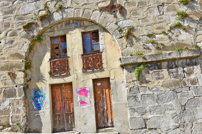 Abandoned Arcade Architecture DoorsAndWindowsProject Grafiti Art Old Old Buildings Plant Wall Porto Street Art/Graffiti Street View Windows Illuminati Demon 14