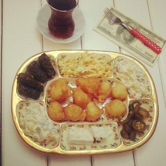 Sanırım 5 çayını hak ettim diymi :)) Instalike Keyf Dinlenmece Instagood caysaati instafood pastalinmutfagi lokma dolma havuc amerikansalatasi yemekblog pastalin.com