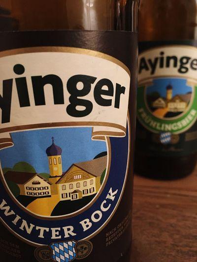 Man trinkt dem Wetter entsprechend: gestern Frühlingsbier, heute Winterbock! Bier Ayinger Biers & Bars