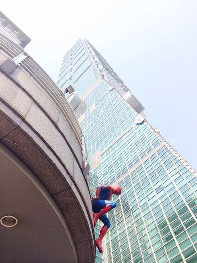 不是洗窗工人是蜘蛛人! Spider-man