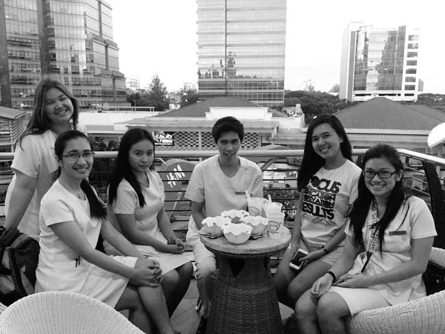 Future physicians Inthemaking Friends Breaktime